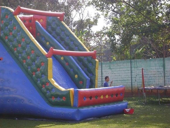 Locação de Brinquedos para festa infantil - tobogã garnde 7m
