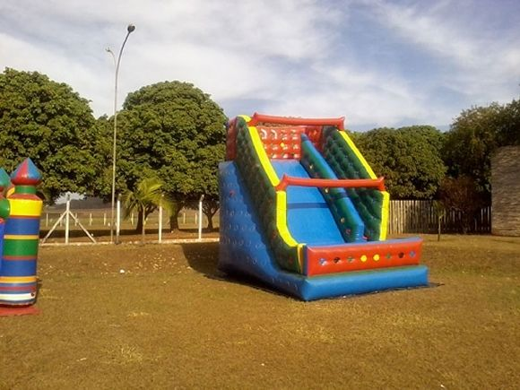 Locação de Brinquedos para festa infantil - tobogã