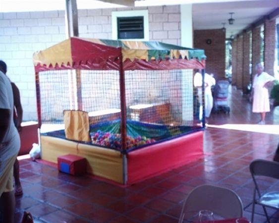 Locação de Brinquedos para festa infantil - piscina de bolinha 1,5m