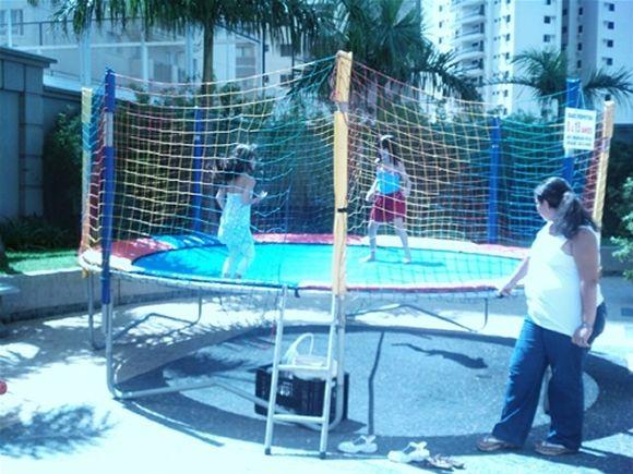 Locação de Brinquedos para festa infantil - cama elástica grande 4,5m