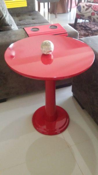 Poltronas mesas de Centro e Aparadores - Mesa Lateral colorida