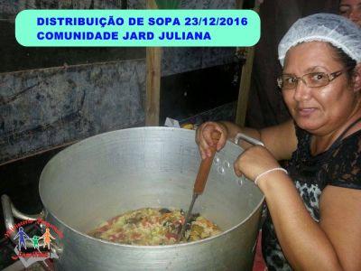 DISTRIBUIÇÃO DE SOPA NAS COMUNIDADES