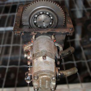 Caixa e bomba hidraulica 6360