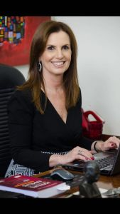 Patrícia Aprile Issa Halah - Direito de Família e Direito Civil