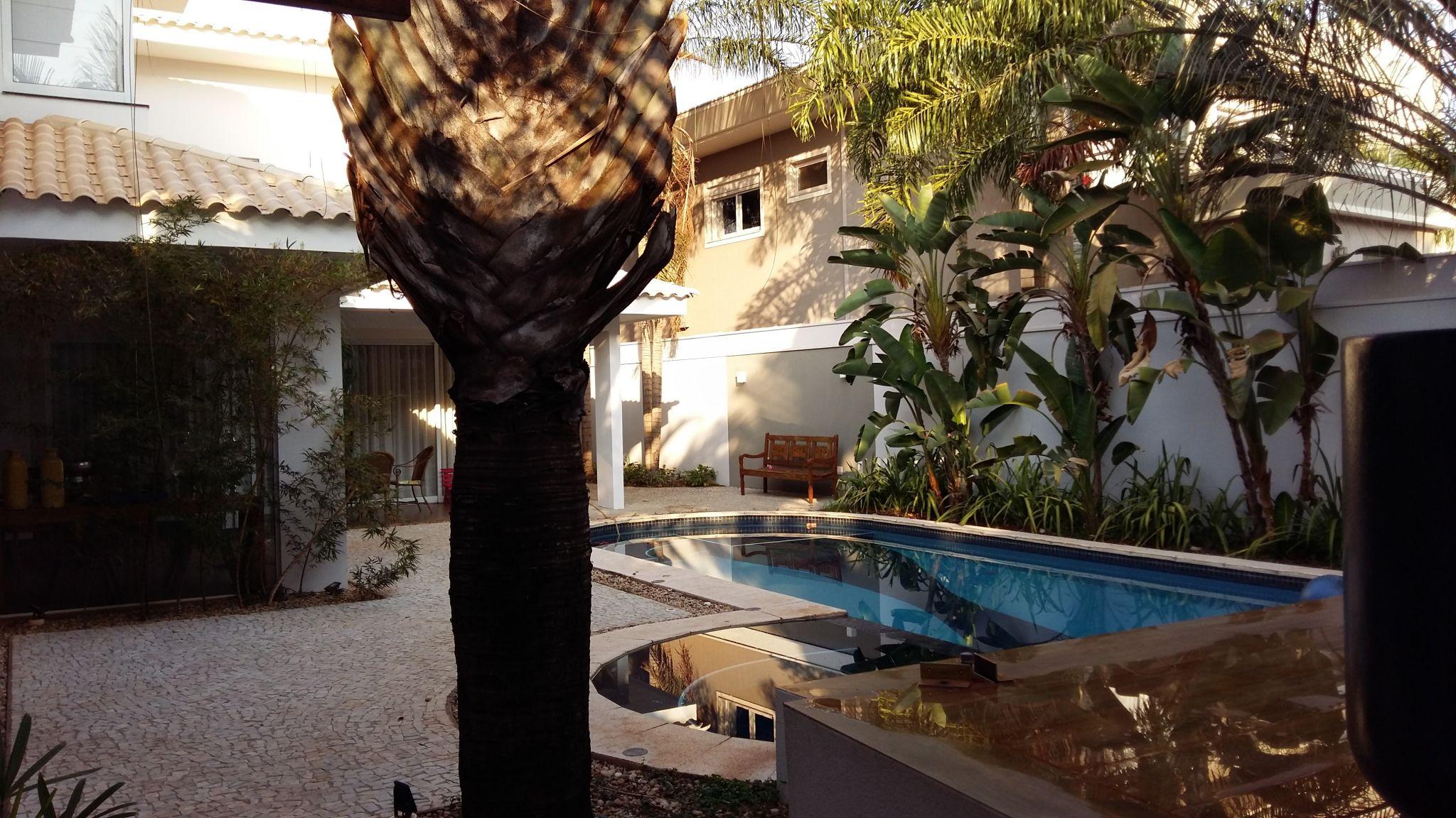 214 - Casa Cond. Vila do Golfe 4 suítes