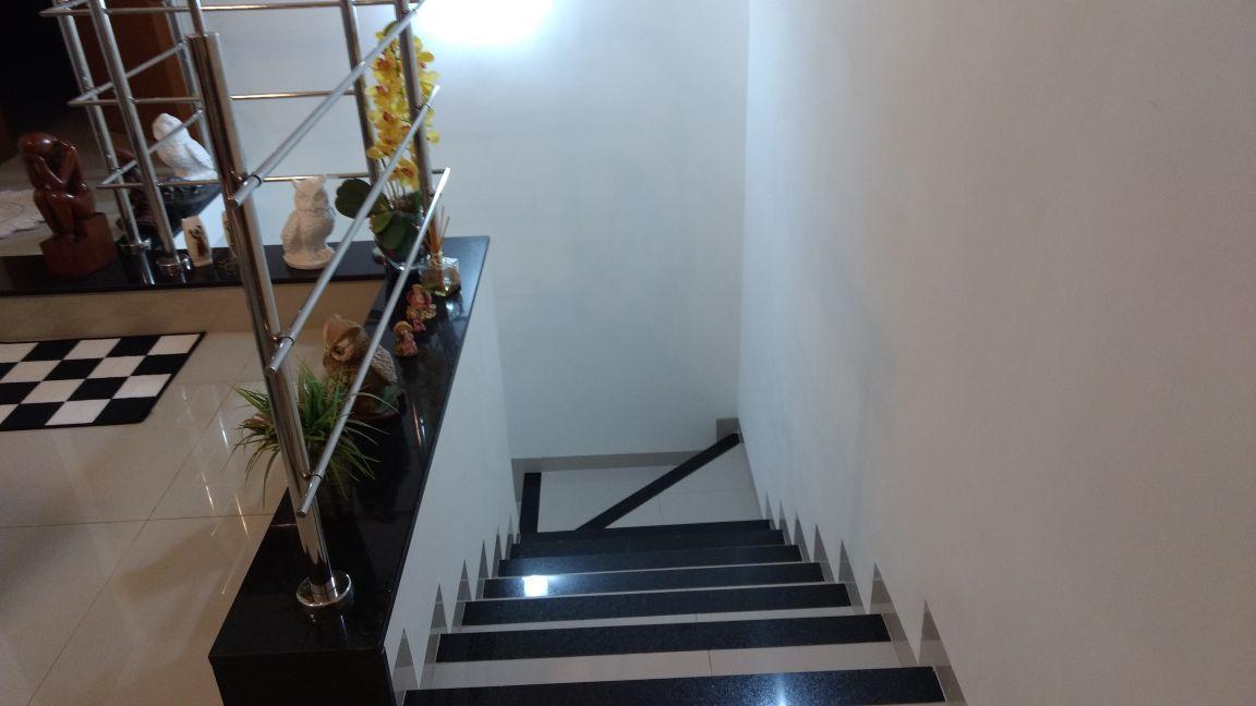 556 - Casa Ribeirânia 320 m²