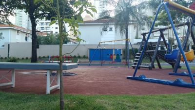 201 - Casa Cond. Jardim Botânico 4 Dormitórios