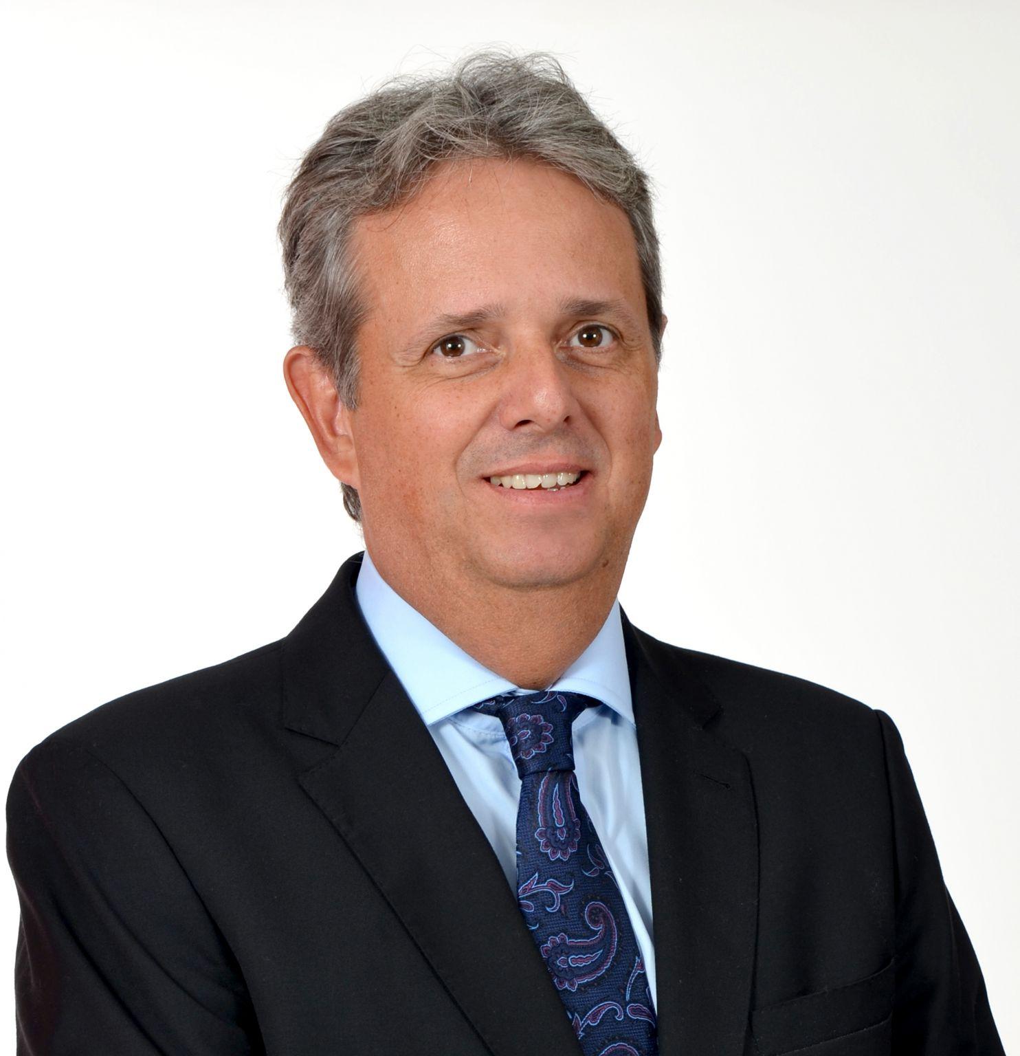 CORPO DOCENTE - Maurício Camargo