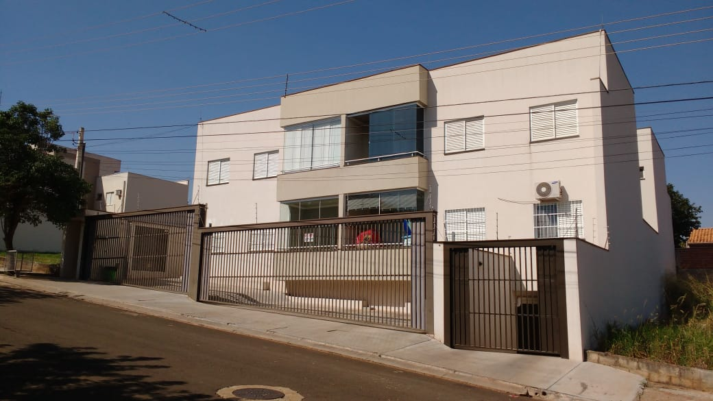618 - Apto Térreo Jardim Botânico-2 Dormitórios-72m²