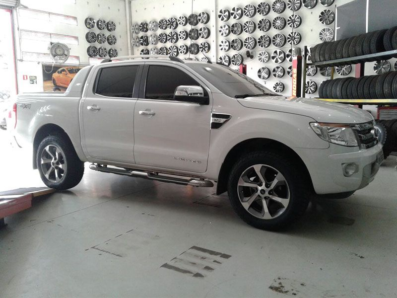 Ford Ranger Customizada as Rodas e Pneus